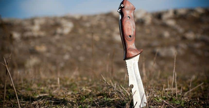 Best Survival Knife in Ground