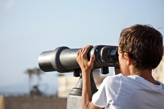 binoculars-future-outdoors