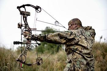 Hunter broadhead hunting big game